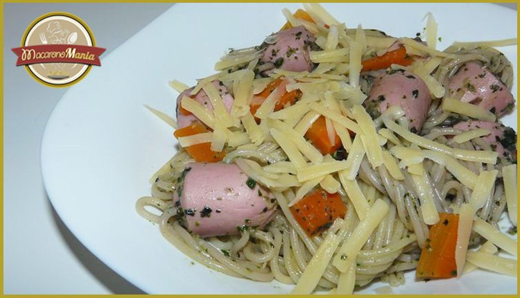 Детские макароны. «Осьминожки» с сыром и базиликовым соусом. Готовое блюдо