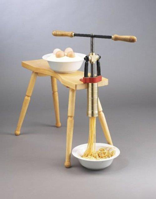 Bigolaro – ручной пресс для спагетти