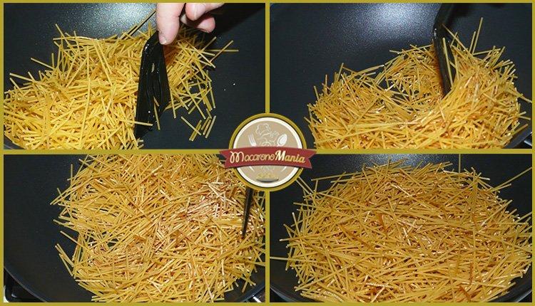Жареные макароны с курицей и сыром. Приготовление спагетти на сковороде. Шаг 1