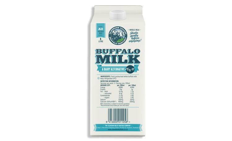 Молоко буйвола в упаковке. Buffalo Milk bottle
