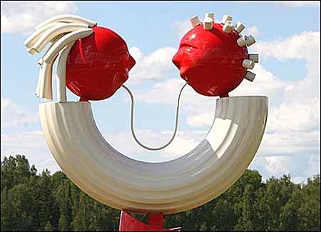 Памятник макаронам в России 3