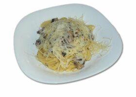 Спагетти с шампиньонами в сливочном соусе