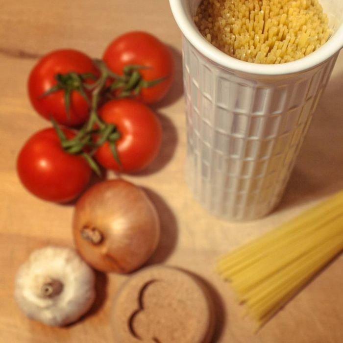 Емкость для хранения спагетти в виде Пизанской башни 2