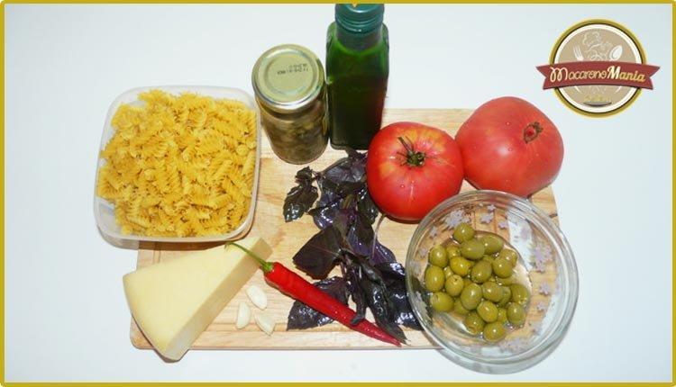Паста под соусом арабьята и пармезаном. Ингредиенты