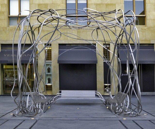Проект «Spaghetti bench» (скамейка-спагетти) Пабло Рейносо