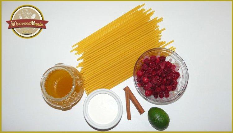 Сладкие макароны с малиной в сливочном соусе. Ингредиенты