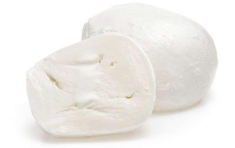Моцарелла из коровьего молока. Mozzarella fior di latte