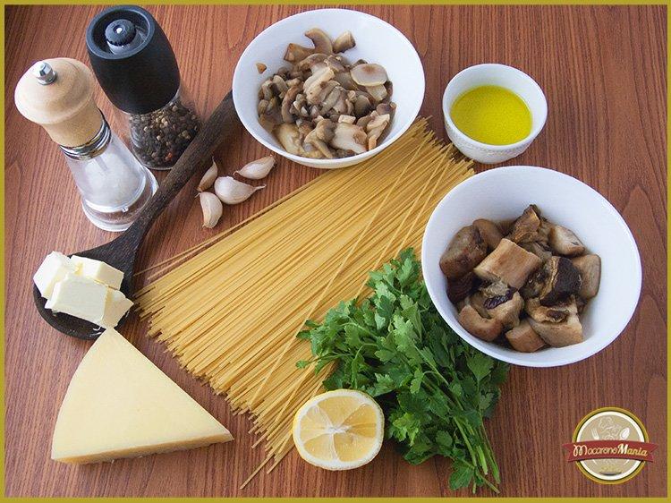 Макароны с белыми грибами, шампиньонами и сыром. Ингредиенты рецепта