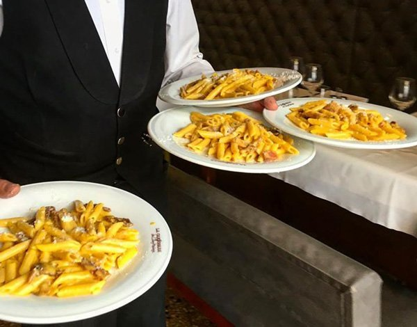 Паста Карбонара. Ресторанная подача