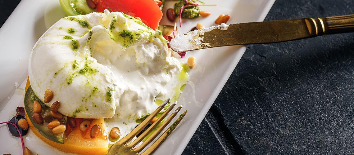 Сыр буррата (Burrata) — Cамый нежный виды моцареллы